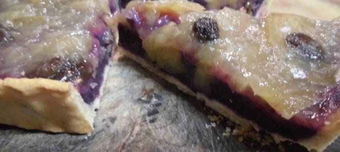 『紫芋とリンゴコンポートのタルト』