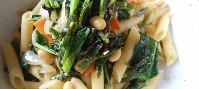 『小松菜と大豆のジェノベーゼペンネ』