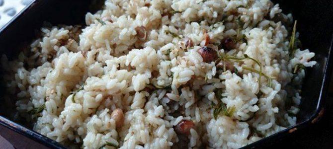 『ヨモギと炒り大豆の炊き込みご飯』