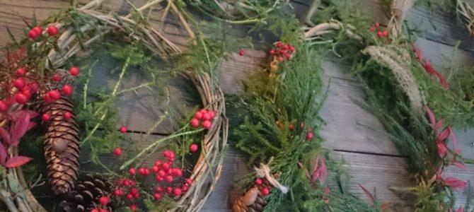 里山のクリスマスリース。
